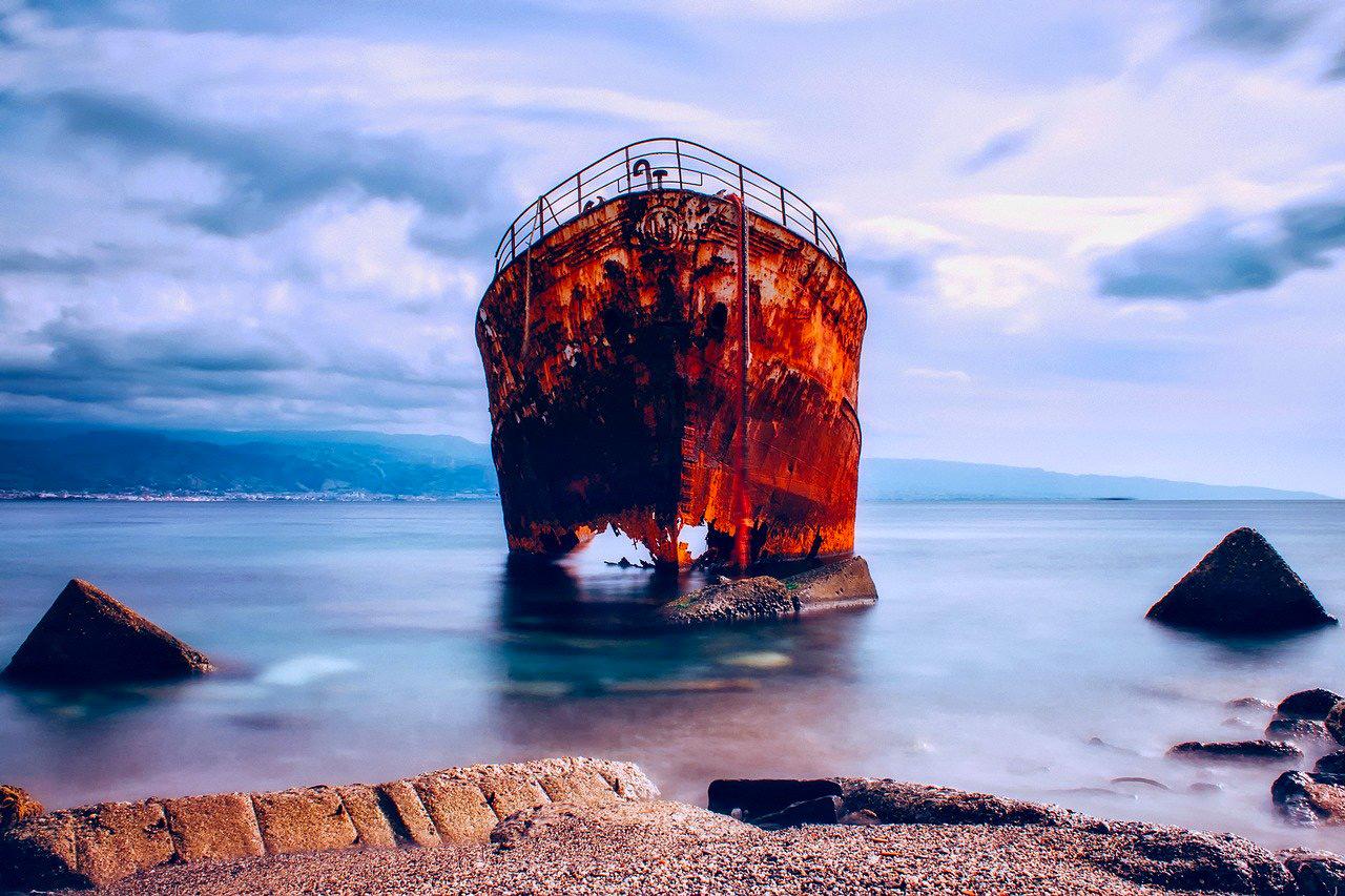 Italy Photos - Messina Ship