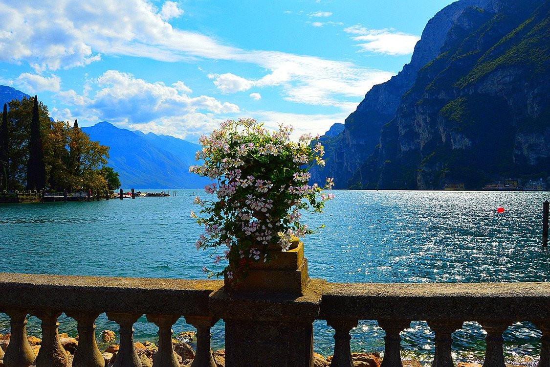 Italy Photos - Lake Garda Coast